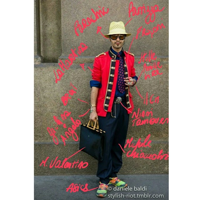 Milano Fashion Week outfit @panizza1879 , @parachic_brand, @lamartina1980, @michelechiocciolini, @asics accessori: @breil_official #mantavintage, @giolinaeangelo, @fannyraponi, @stilemillelire e @ilcentimetroofficial, @mariovalentino_spa